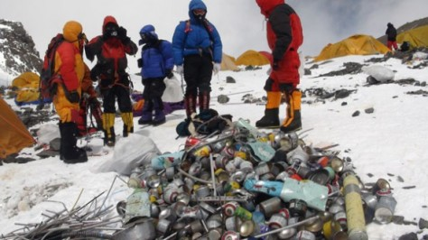 Sherpas cleaning Mount Everest (Source: Asia News)